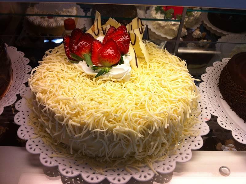 bolo-mousse-de-chocolate-branco-4