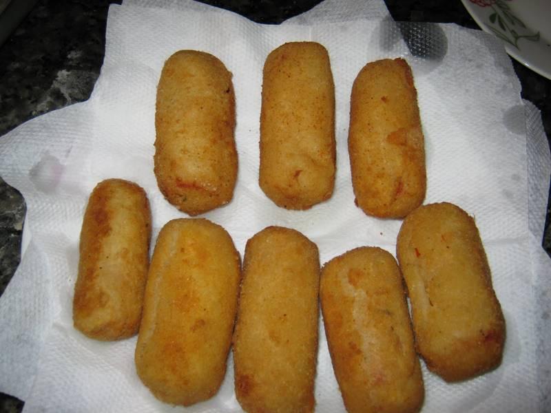enroladinho-de-salsicha-frito-1