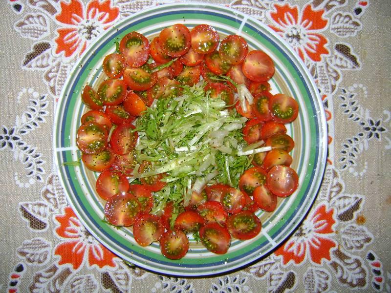salada-chicoria-tomate-