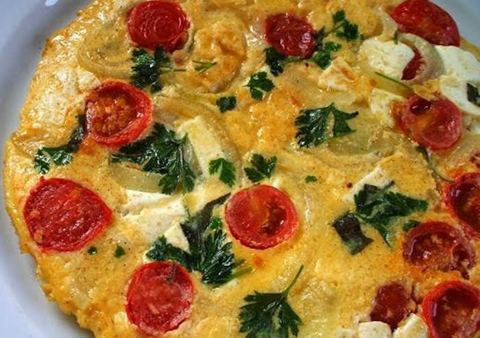 omelete-de-frango-com-tomate