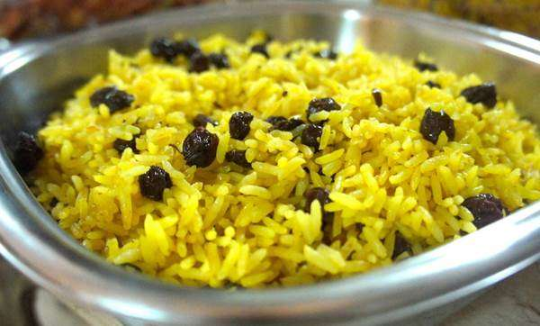 arroz-com-laranja-e-passas