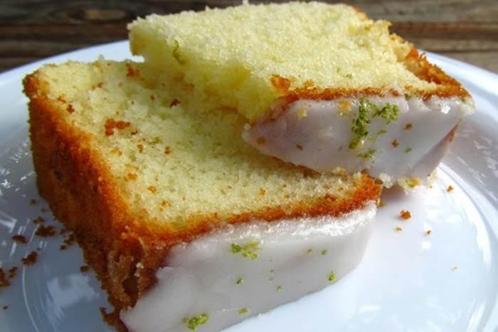 bolo-de-iogurte-com-gelatina-de-limao